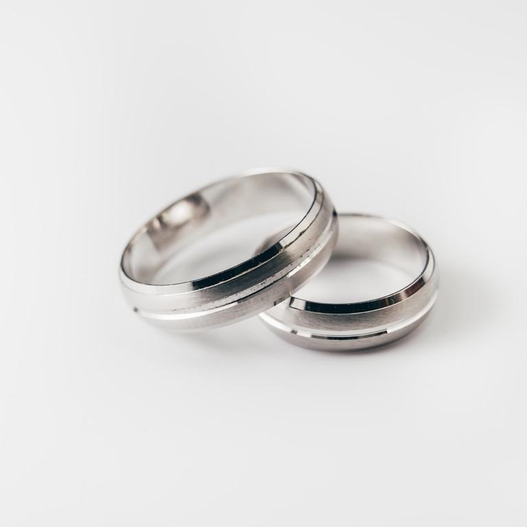 Obrączki ślubne jednokolorowe; M-6